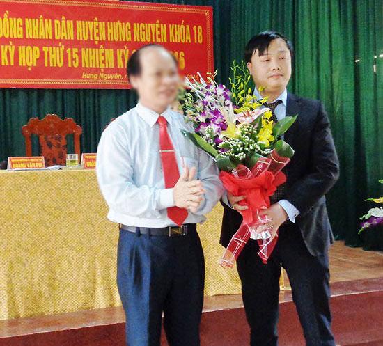 Quan-lo-than-toc-cua-pho-chu-tich-huyen-Hung-Nguyen-hung-hung-nguyen-1515668992-width550height497.jpg