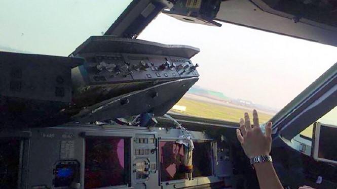 cockpit_xihz.jpg