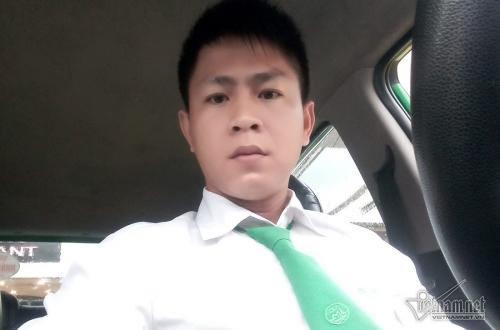 tai-xe-mai-linh-cho-be-gai-xuong-bien-phat-hien-dich-trang-chay-ra-tu-am-dao-3-1566458882.jpg