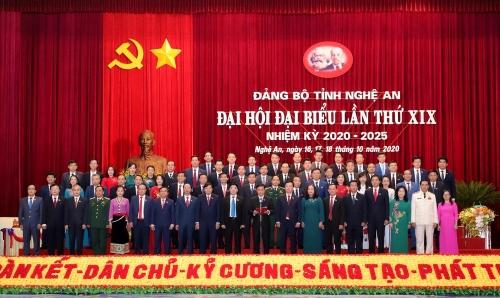 81-ban-chap-hanh-dang-bo-1603008985.jpg